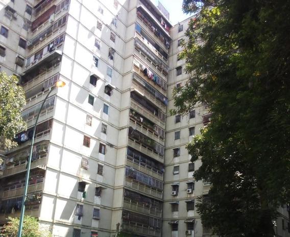 Apartamento En Venta Mls #20-13375