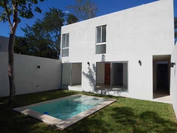 Hermosa Casa De Concepto En Venta Al Norte De La Ciudad, En Guadalupe Cholul.