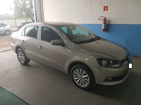 Volkswagen Voyage 1.6 Hightline 2014