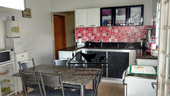 Casa A Venda No Bairro Itaguaçu Em Aparecida - Sp. - Cs094-1