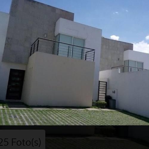 Casa Tres Recamaras, La Principal Con Vestidor Y Baño