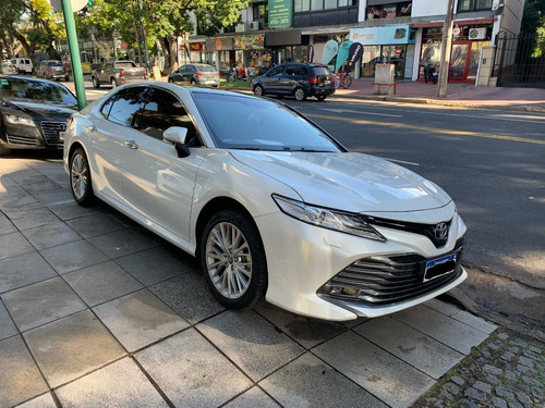 Toyota Camry 3.5 V6 At.