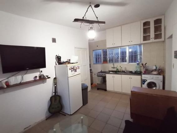 Apartamento En Alquiler Malvin, 2 Dormitorios. Bajos Gastos.