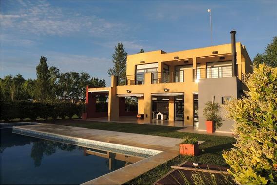 Hermosa Casa Con Pileta Barrio Cerrado La Faustina