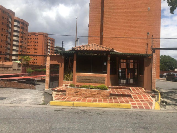 Apartamento En Venta En El Parque 19-15246 Rb