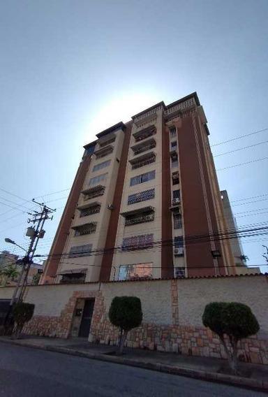 Se Vende Apartamento En Las Delicias, Urbanización El Bosque, Maracay