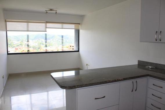 Precioso Apartamento En Venta Mc #20-13134