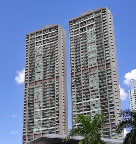 Apartamento En Venta, En Costa Del Este, 2 Recamaras