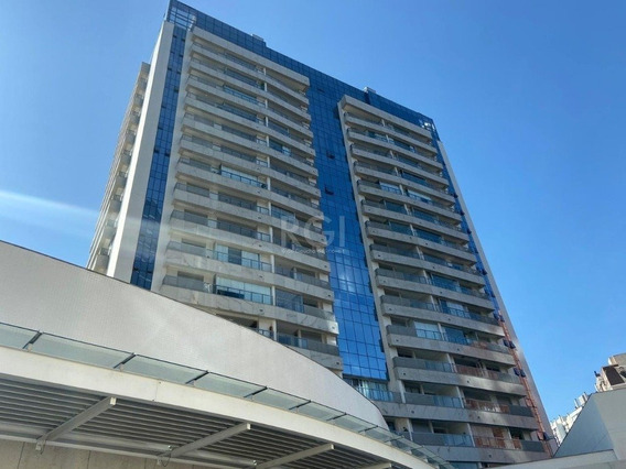 Apartamento Em Petrópolis Com 1 Dormitório - Fe6746