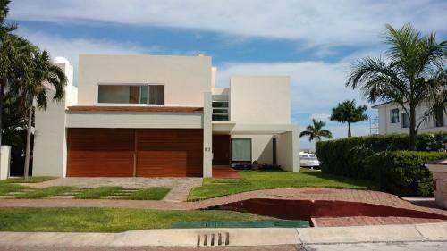 Casa En Venta En Residencial Isla Dorada Cancun