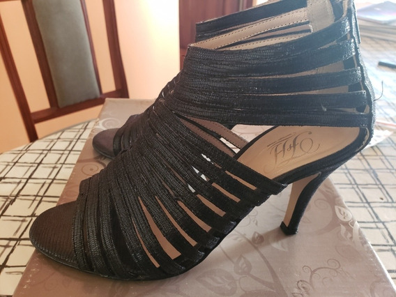 Zapato Negro Taco Fino Con Tiras Y Cierre Talle 37