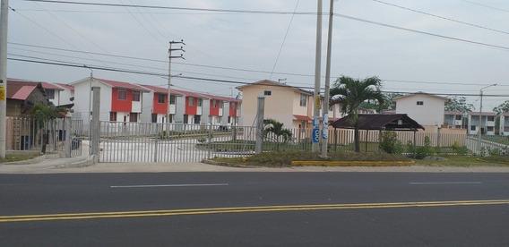 Se Alquila Una Casa En La Ciudad De Iquitos
