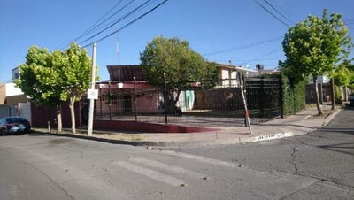 Linda Casa De Un Piso Con Espacio Para 4 Autos