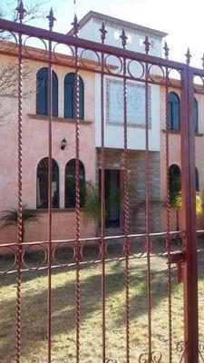 Casa En Venta En Fraccionamiento Rancho Tequis, Queretaro