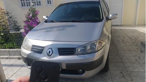 Renault Megane 2009 1.6 Dynamique Hi-flex 4p