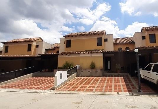 Townhouse En Venta Eucaris Marcano 04144010444 Cod:387045