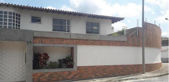 Casa En Venta Mls # 20-8023