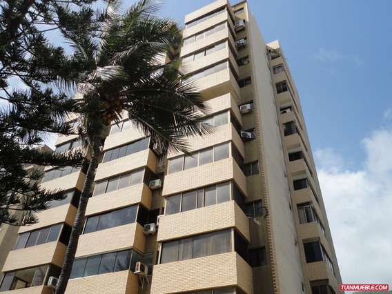 América Terán Vende Apartamento Macuto Mls #18-9043