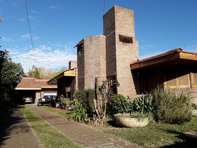 Casa En Alquiler City Bell 4 Dormitorios 7 Ambientes