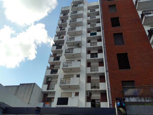 Alquiler Monoambiente Centrico (11 Y 45) En La Plata.-