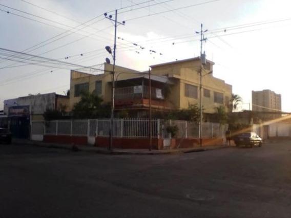 Casa En Venta Barquisimeto Centro 20-9922 Jg