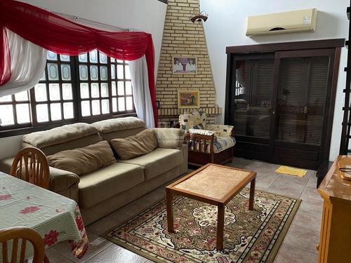Casa Em Cavalhada Com 6 Dormitórios - Bt10874