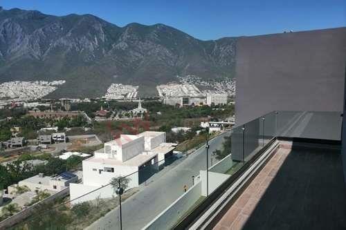 Residencia Nueva En Venta En Fracc Loma Bonita Residencial
