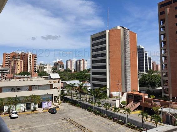 Apartamento En Zona Este Barquisimeto 20-24210 Jrh