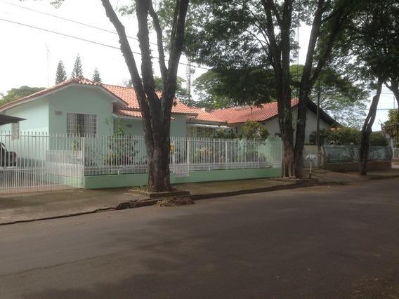 Casa / Terreno De Esquina Em Cianorte/pr Ótima Localização
