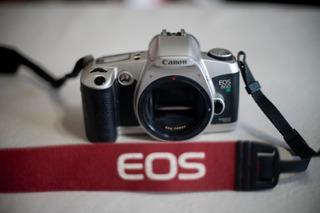 Cámara Reflex Canon Eos 500 N Quartz Date + 28-80mm