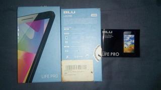 Caja Con Manual De Blu Life Pro