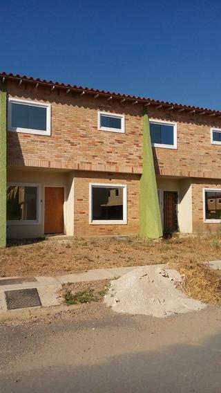 Townhouse En Venta La Morita I 04126835217