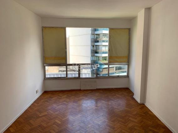 Apartamento De 2 Quartos Com Vaga No Leblon. - 15397