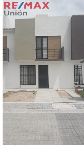 Venta De Casa En Residencial San Gerardo Mod. Esmeralda Coto 86
