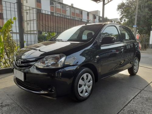Imagem 1 de 7 de Toyota Etios 2013 1.3 16v Xs 5p