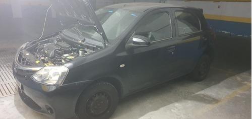Imagem 1 de 15 de Toyota Etios
