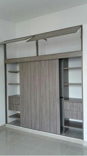 Imagen 1 de 10 de Closet Y Vestier