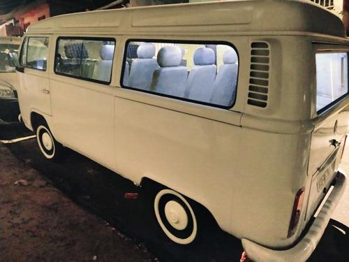 Imagem 1 de 1 de Volkswagen Kombi 2001 1.6 3p Gasolina