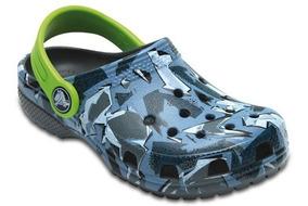 Zapato Crocs Infantil Classic Graphic Clog K Gris