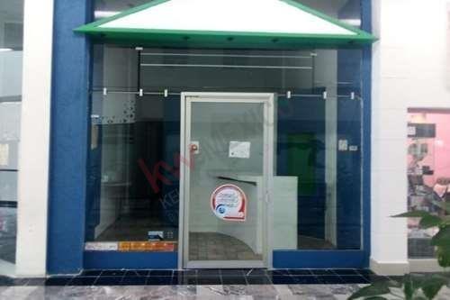Local H-14 En Renta Desde 3 Meses, Dentro Del Centro Comercial Interlomas, $14,000.00 + $4,788.00 De Mantenimiento Y Publicidad