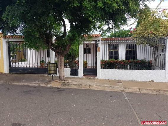 Casas En Venta En Lomas Del Caroni