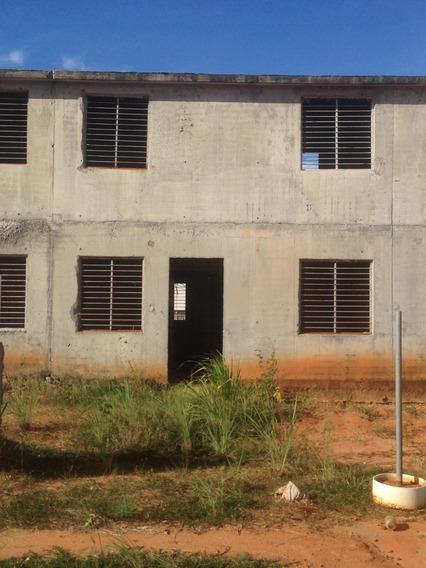 Townhouse En Estructura Vaciada Proyecto Ideal Para Terminar