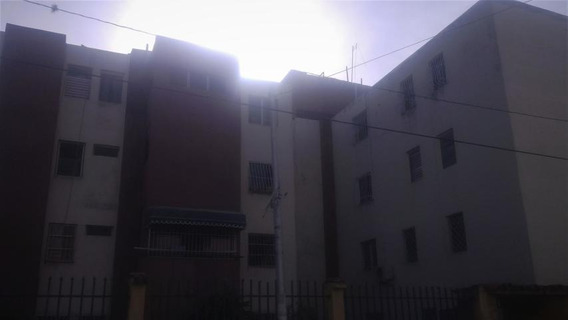 Venta De Apartamento En Bararida, Lara