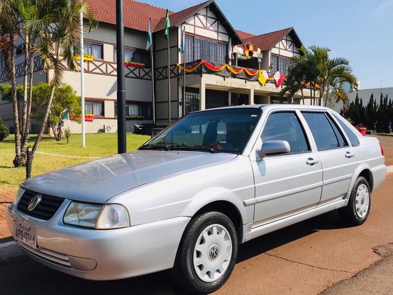 Volkswagen Santana 1.8 4p Gasolina 2003 - Relíquia