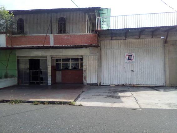 Comercial En Venta Centro Acarigua 20-22012 Jrh