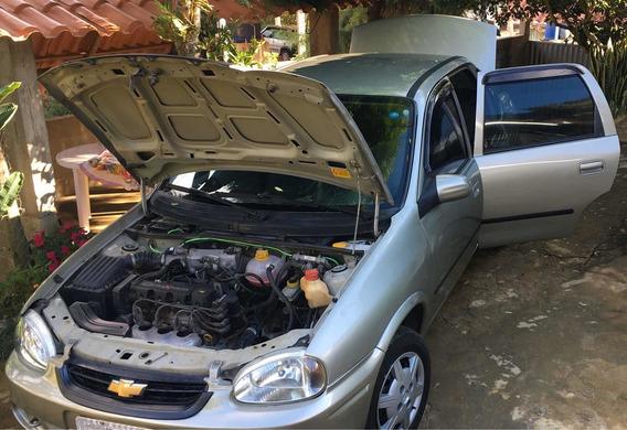 Chevrolet Classic Pneus Novos/ecônomic