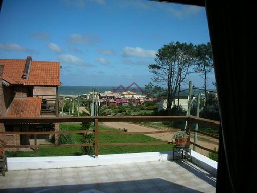 Casa En Venta Y Alquiler,espectacular Esquinera Con Piscina En Montoya - La Barra - Punta Del Este- Ref: 78