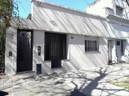 Imagen 1 de 13 de Casa Venta 4 Dormitorios 2 Baños Jardín 160 Mts 2, Terreno 7.60 X 40 Mts - 304 Mts 2 - La Plata