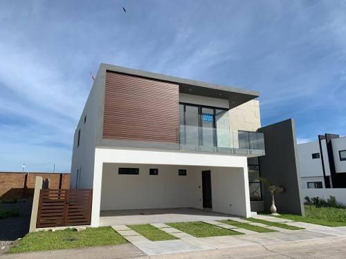 Casa En Venta Fraccionamiento Punta Tiburon