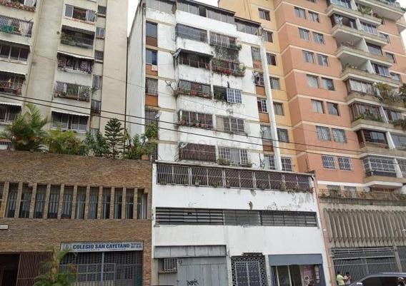 Elisa Erebrie Alquila Apto En La Candelaria, Mls 20-24324